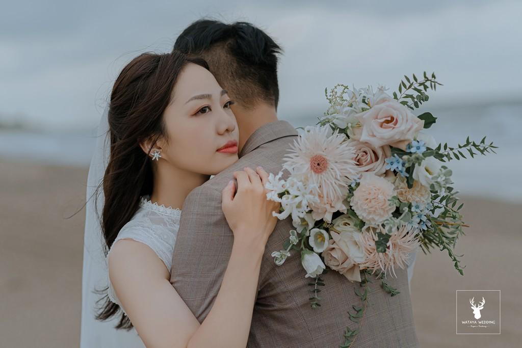 拍婚紗姿勢:擁抱